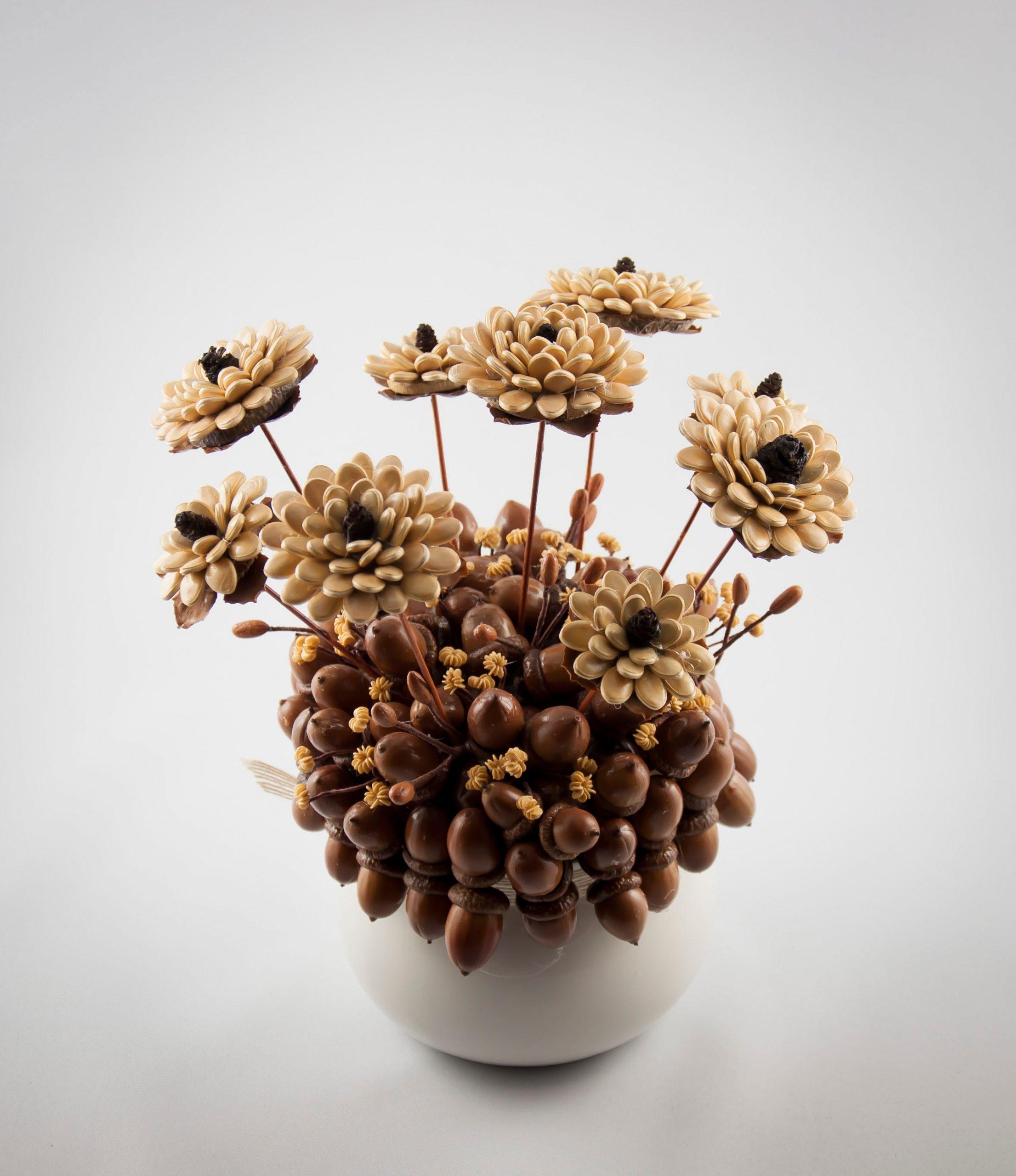 bukiet z nasion dyni i żałędzi
